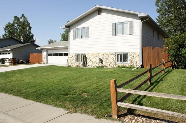 2304 Birch Ave -, Gillette, WY 82718 (MLS #20-1412) :: 411 Properties