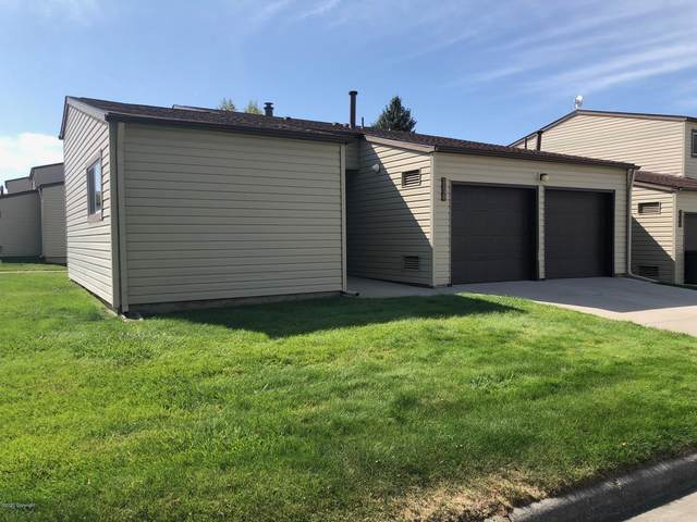 1130 Indian Hills Dr -, Gillette, WY 82716 (MLS #20-1474) :: The Wernsmann Team | BHHS Preferred Real Estate Group