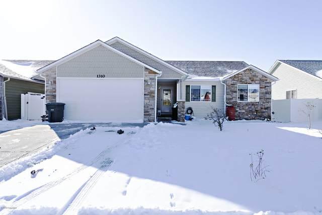 1310 Black Hills St -, Gillette, WY 82718 (MLS #20-1635) :: 411 Properties