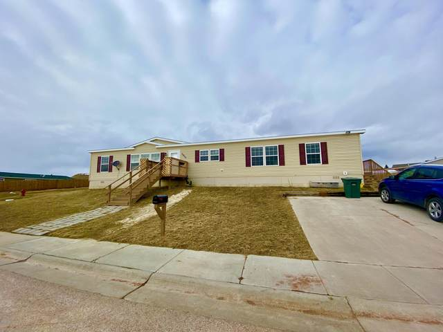 3902 Peak St -, Gillette, WY 82716 (MLS #20-264) :: Team Properties