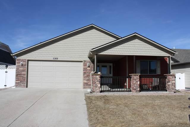 1301 Black Hills St -, Gillette, WY 82718 (MLS #20-292) :: Team Properties