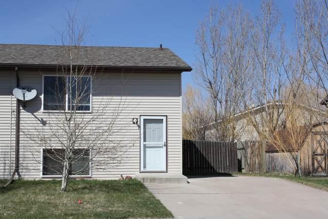 200 W Redwood St W, Gillette, WY 82718 (MLS #20-501) :: 411 Properties