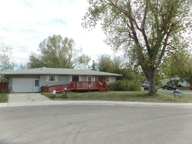 427 Circle Dr -, Gillette, WY 82716 (MLS #20-703) :: 411 Properties