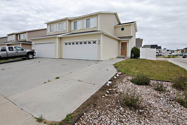 3609 Miranda Ave -, Gillette, WY 82718 (MLS #20-962) :: 411 Properties