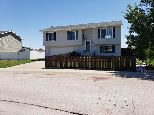 2454 Beaver Dr -, Gillette, WY 82718 (MLS #20-980) :: The Wernsmann Team | BHHS Preferred Real Estate Group