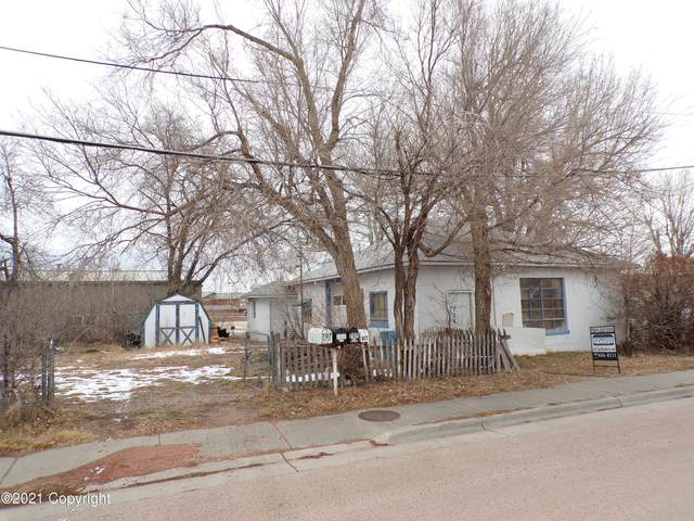 706 W 3rd St -, Gillette, WY 82716 (MLS #21-11) :: Team Properties