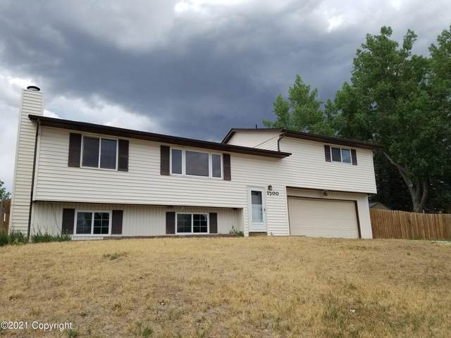 1200 5th Ave W, Gillette, WY 82716 (MLS #21-1111) :: 411 Properties