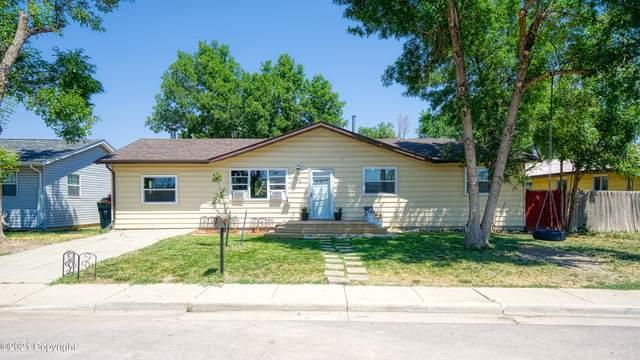 102 Laramie St W, Gillette, WY 82716 (MLS #21-1158) :: 411 Properties