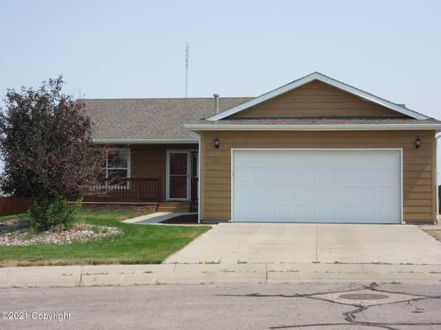 303 Longhorn Ct -, Gillette, WY 82718 (MLS #21-1246) :: 411 Properties
