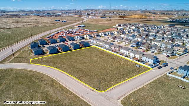 2050 Sinclair St, Gillette, WY 82718 (MLS #21-15) :: The Wernsmann Team | BHHS Preferred Real Estate Group