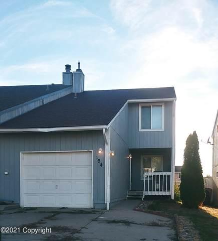 124 Westhills Loop -, Gillette, WY 82718 (MLS #21-1641) :: 411 Properties