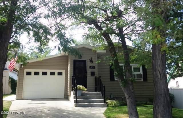 404 S Richards Ave -, Gillette, WY 82716 (MLS #21-1644) :: Team Properties
