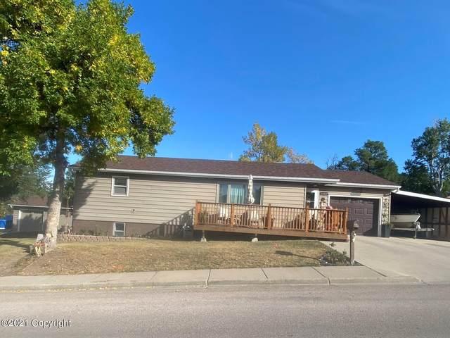 302 9th St W, Gillette, WY 82716 (MLS #21-1648) :: 411 Properties
