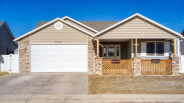 1205 Black Hills St -, Gillette, WY 82718 (MLS #21-165) :: The Wernsmann Team | BHHS Preferred Real Estate Group