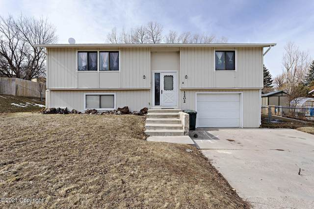 1202 Stetson Dr -, Gillette, WY 82716 (MLS #21-336) :: The Wernsmann Team | BHHS Preferred Real Estate Group