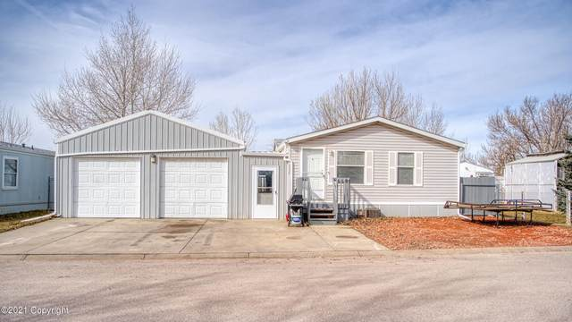 2208 Cheryl Ave -, Gillette, WY 82718 (MLS #21-358) :: 411 Properties