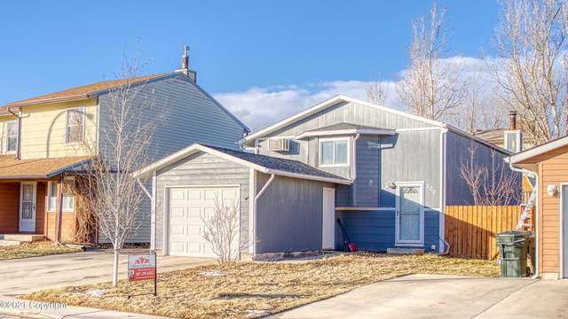 207 E Laurel St E, Gillette, WY 82718 (MLS #21-46) :: 411 Properties