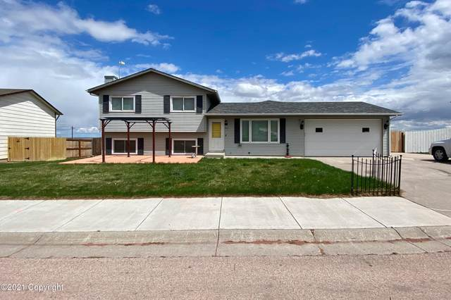 6817 Robin Dr -, Gillette, WY 82718 (MLS #21-693) :: 411 Properties