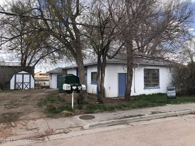 706 W 3rd St -, Gillette, WY 82716 (MLS #21-698) :: Team Properties