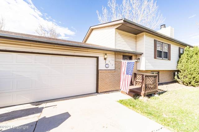 213 E Redwood St E, Gillette, WY 82718 (MLS #21-753) :: The Wernsmann Team | BHHS Preferred Real Estate Group