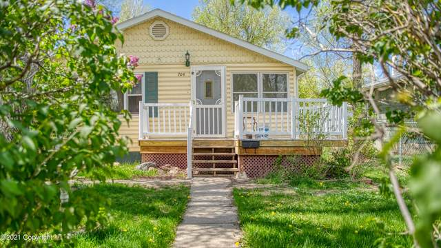 704 Emerson Ave S, Gillette, WY 82716 (MLS #21-836) :: 411 Properties