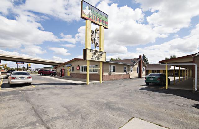 922 3rd St E, Gillette, WY 82716 (MLS #18-1361) :: Team Properties