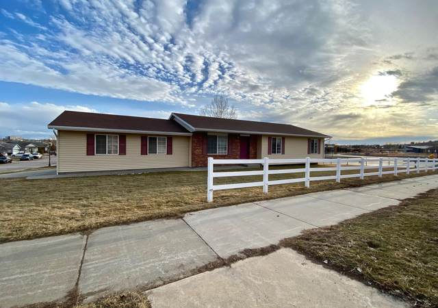 825 N Fir Ct -, Gillette, WY 82716 (MLS #20-261) :: Team Properties