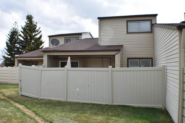 1063 Santee Dr -, Gillette, WY 82716 (MLS #20-354) :: The Wernsmann Team   BHHS Preferred Real Estate Group