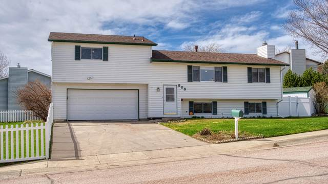 808 Ridgewood Dr -, Gillette, WY 82716 (MLS #20-595) :: The Wernsmann Team | BHHS Preferred Real Estate Group