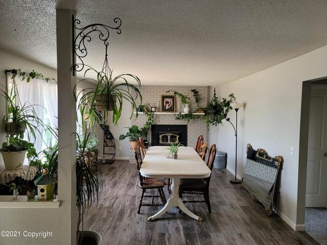 907 Comanche Ave -, Gillette, WY 82718 (MLS #21-1555) :: Team Properties