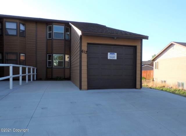 612 Oregon Ave -, Gillette, WY 82718 (MLS #21-871) :: 411 Properties