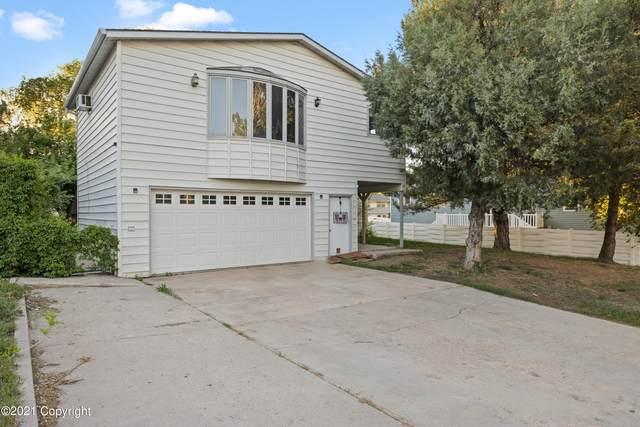 202 Overland Trl -, Gillette, WY 82716 (MLS #21-910) :: 411 Properties