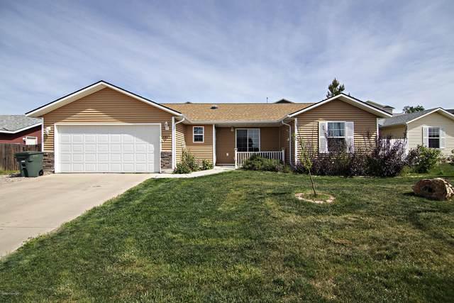3010 Goldenrod Ave -, Gillette, WY 82716 (MLS #20-773) :: The Wernsmann Team   BHHS Preferred Real Estate Group