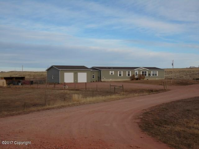 1 Red Fox St -, Gillette, WY 82718 (MLS #17-1715) :: Team Properties