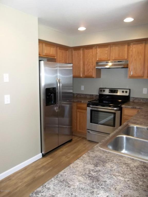 3720 Miranda Ave -, Gillette, WY 82718 (MLS #17-839) :: Team Properties
