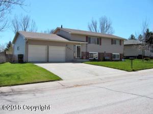 203 Overland Trl -, Gillette, WY 82716 (MLS #18-1033) :: 411 Properties