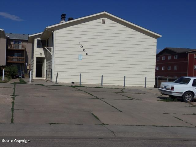 1000 Elon Ave, Gillette, WY 82716 (MLS #18-1085) :: Team Properties