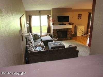 1006 9th St E, Gillette, WY 82716 (MLS #18-147) :: 411 Properties