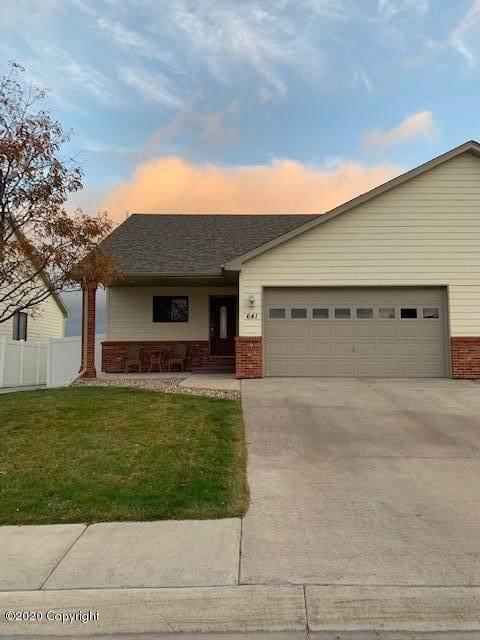 641 Lakeland Hills Dr -, Gillette, WY 82716 (MLS #20-1643) :: 411 Properties