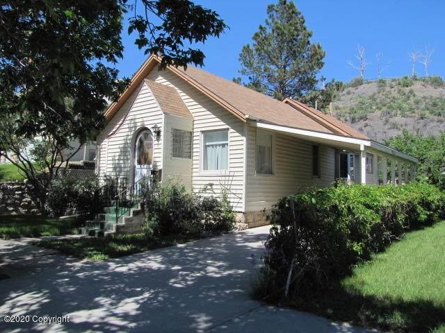 107 Summit N, Newcastle, WY 82701 (MLS #20-311) :: The Wernsmann Team | BHHS Preferred Real Estate Group
