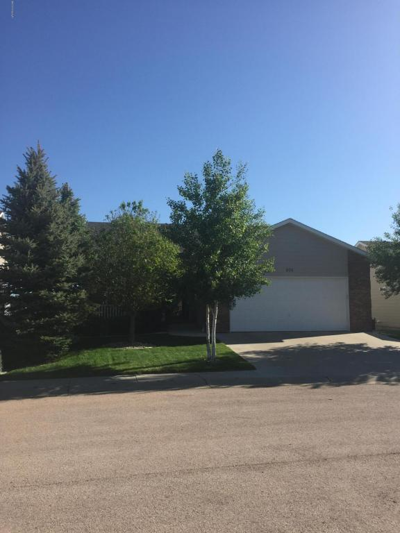 804 Arlington Ct -, Gillette, WY 82718 (MLS #18-334) :: Team Properties
