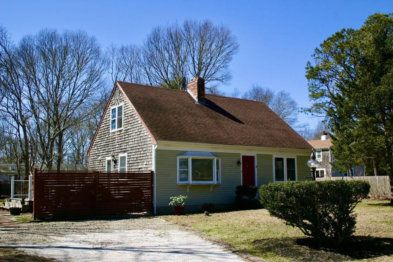 9 Whitman Drive - Photo 1
