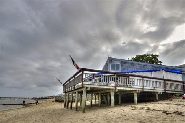 193A Commercial Street U6, Provincetown, MA 02657 (MLS #21803498) :: Rand Atlantic, Inc.