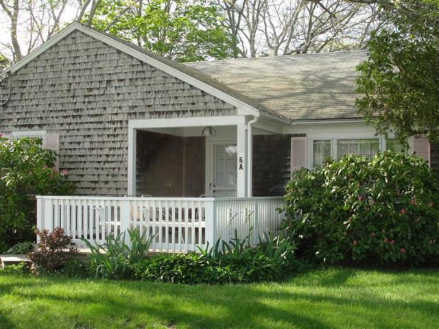 230 Gosnold Street Unit 6A, Hyannis, MA 02601 (MLS #21803733) :: ALANTE Real Estate