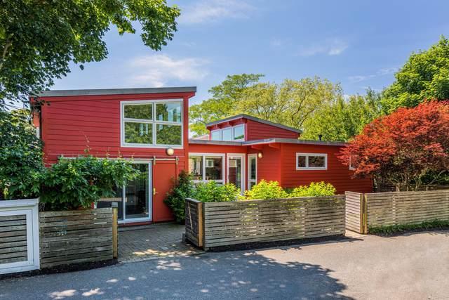 8 Priscilla Alden Road, Provincetown, MA 02657 (MLS #22000990) :: Kinlin Grover Real Estate