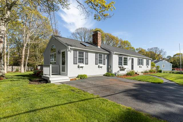 324 Nottingham Drive, Centerville, MA 02632 (MLS #22003099) :: Kinlin Grover Real Estate