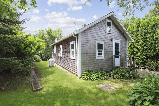 17 Barrows Road, East Falmouth, MA 02536 (MLS #22004306) :: EXIT Cape Realty