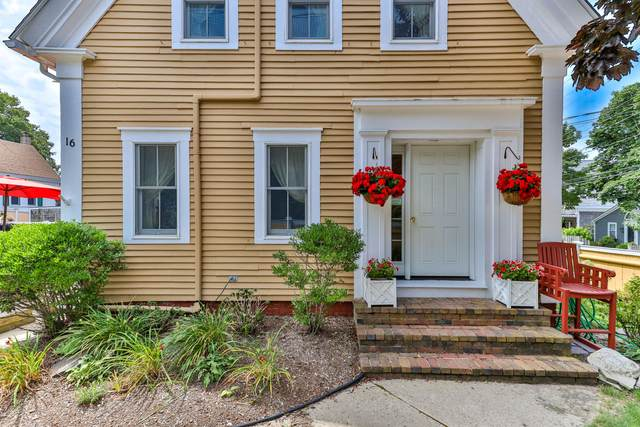 16 Winthrop Street, Provincetown, MA 02657 (MLS #22006077) :: Leighton Realty