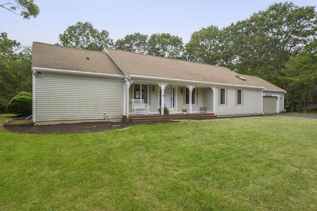 42 Holly Ridge Drive, Sandwich, MA 02563 (MLS #22006572) :: Leighton Realty