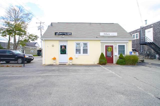 17 Walker Street, Falmouth, MA 02540 (MLS #22007640) :: Rand Atlantic, Inc.